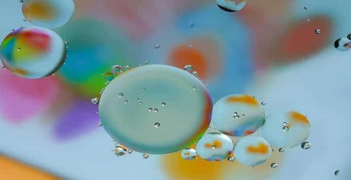 mezclar agua y aceite