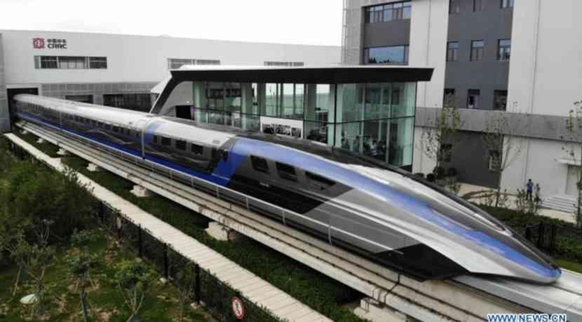 El tren de levitación magnética de la serie china alcanza los 600 km / h